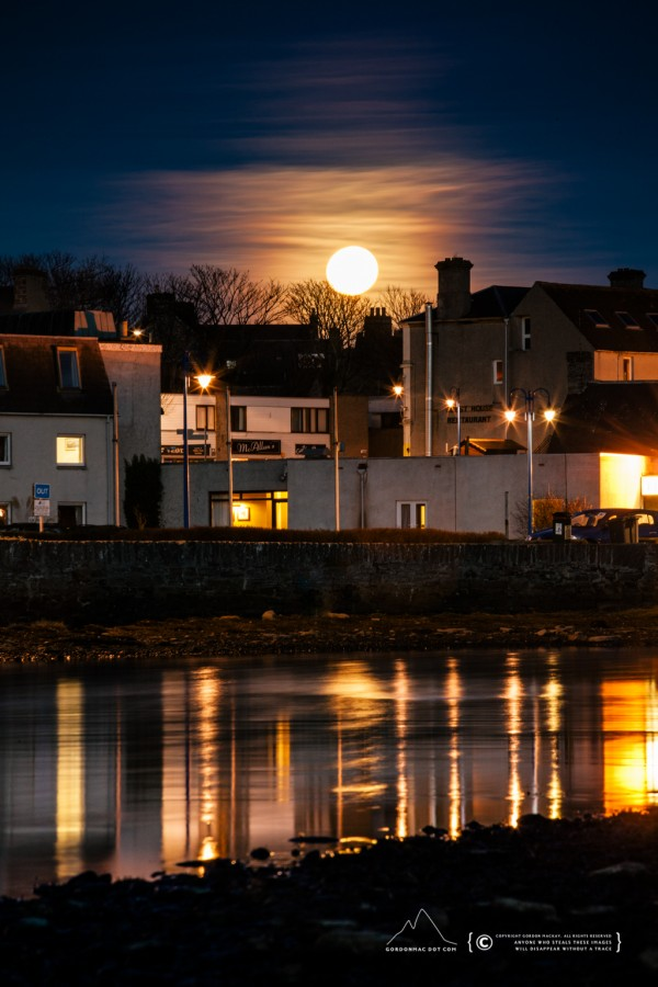 Moonrise in Wick